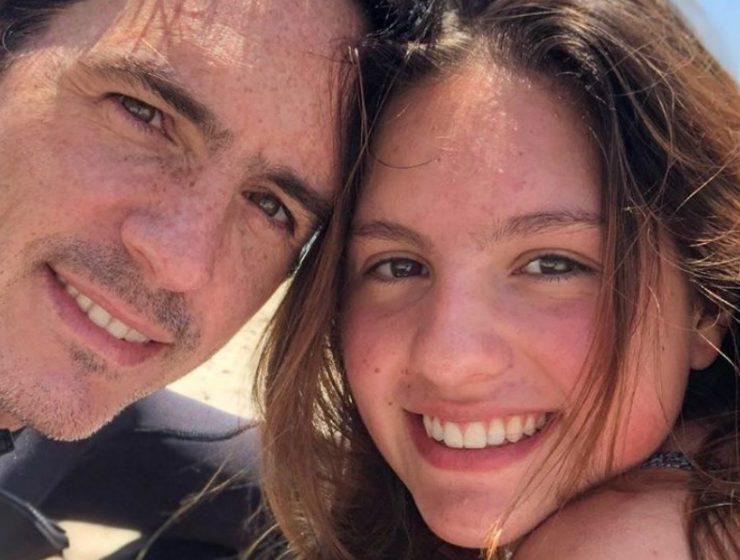 Lorenza y su padre, Mauricio demuestran el gran parecido que tienen