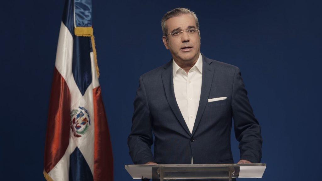 El candidato presidencial dominicano Luis Abinader se ha sometido a un tratamiento tras dar positivo a covid-19